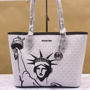 Michael Kors New York City CarryAll Tote